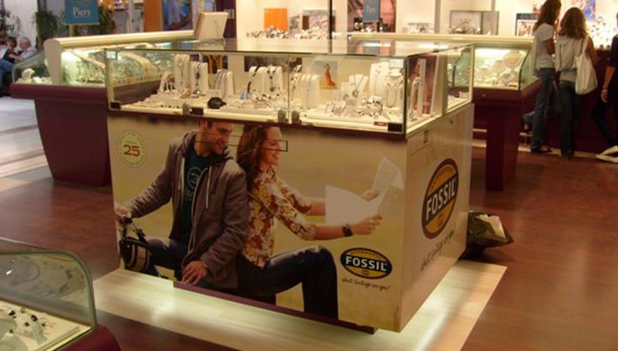 Habillage meuble adhésif avec impression numérique et film protection mat bijouterie